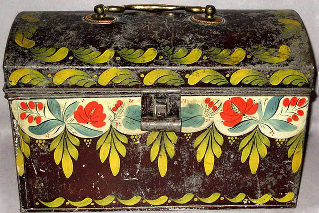 Trunk, probably made in Connecticut or Philadelphia, Pennsyvlania, 1800-50.  Bequest of H.F. du Pont, 1965.1724